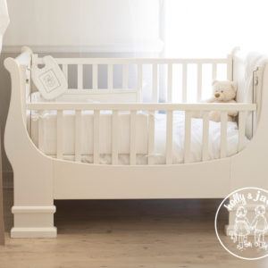 French sleigh cot antique white 1