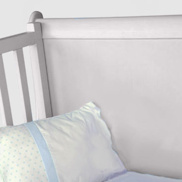 French sleigh cot grey close up