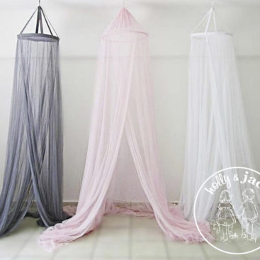 Holly & Jack mosquito net composite