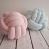 Knot cushion 1