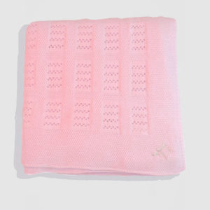 Holly-&-Jack-Rosie-&-Romie-White-lattice-baby-blanket-hebrew-symbol-pink
