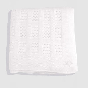 Holly-&-Jack-Rosie-&-Romie-White-lattice-baby-blanket-hebrew-symbol-white