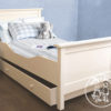 Shaker Bed