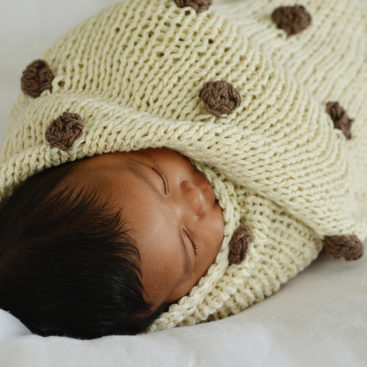 Pompom_baby_blanket_Holly_&_Jack_6_FB